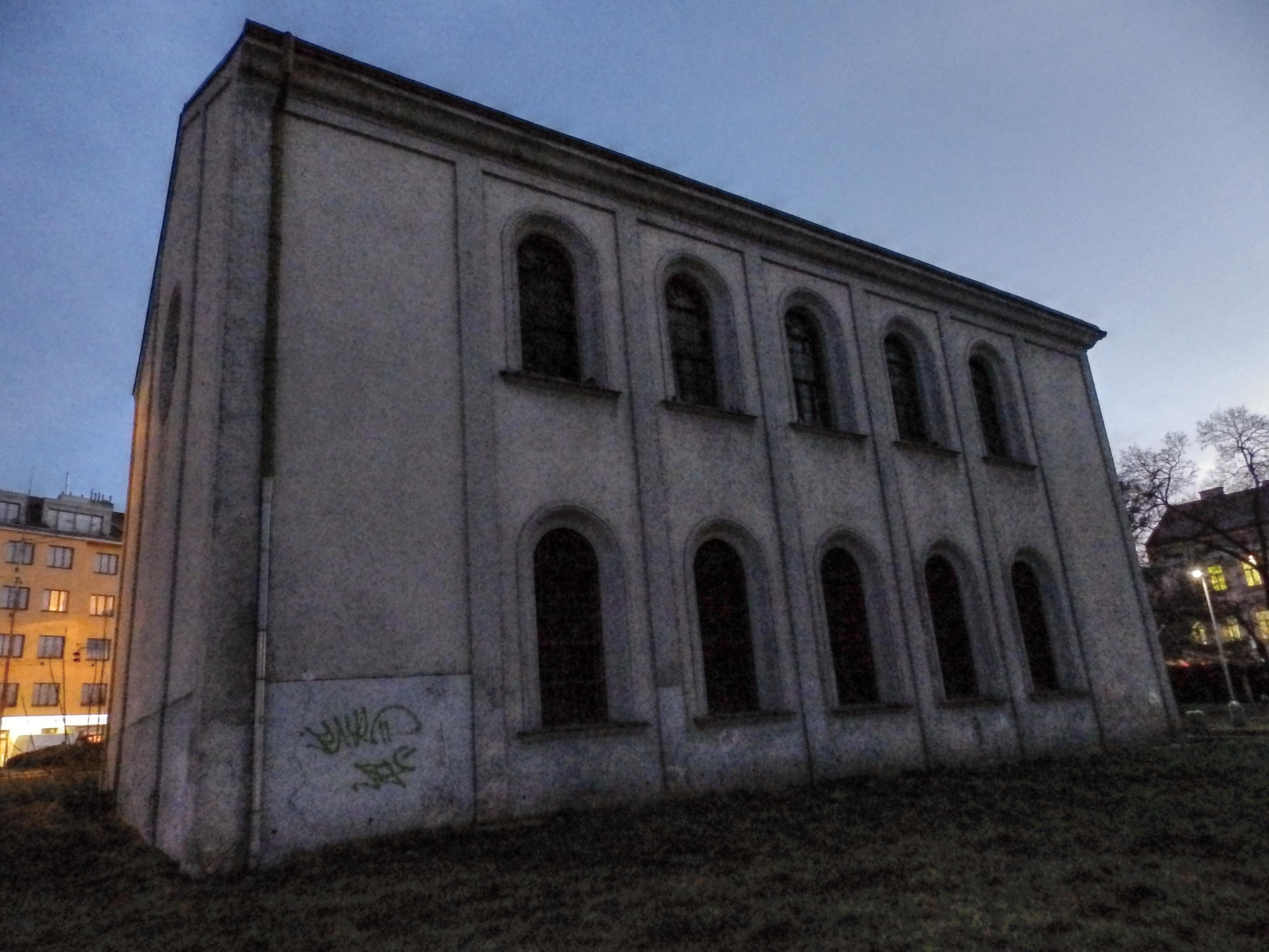 ...židovská syngoga  byla založena na konci 16.století...